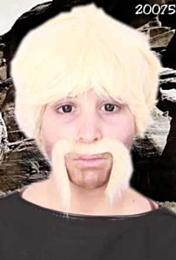 Snor macho man blond
