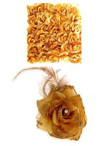 Bloem op speld/elastiek goud